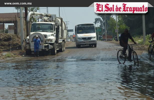 Fuerte lluvia en Irapuato provocó encharcamientos y apagones