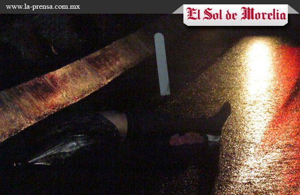 Cadáver encontrado sobre la autopista Siglo XXI