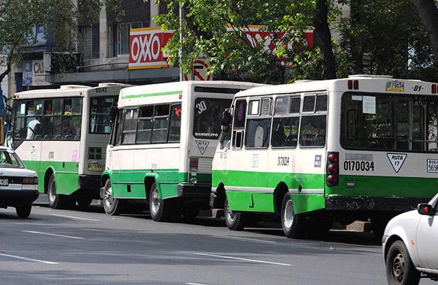 Cárcel para dos asaltantes de microbús