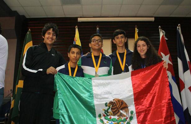 Diego Hinojosa gana la Olimpiada de Matemáticas