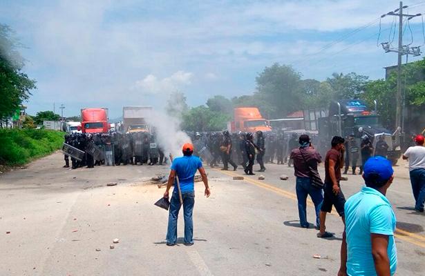 Libera la Policía Federal carreteras en Oaxaca