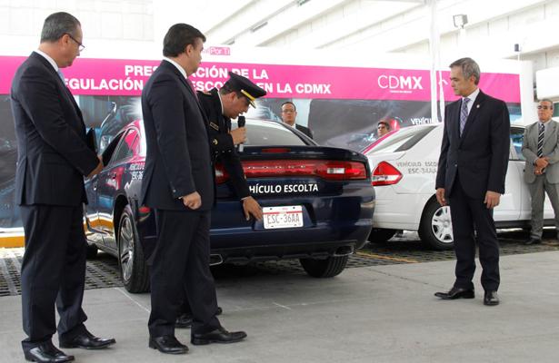 Presenta CDMX esquema de regulación de escoltas