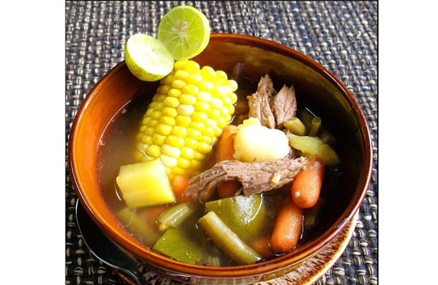 Caldos tradicionales mexicanos