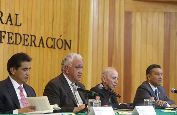 Partidos políticos complementan la democracia: TEPJF