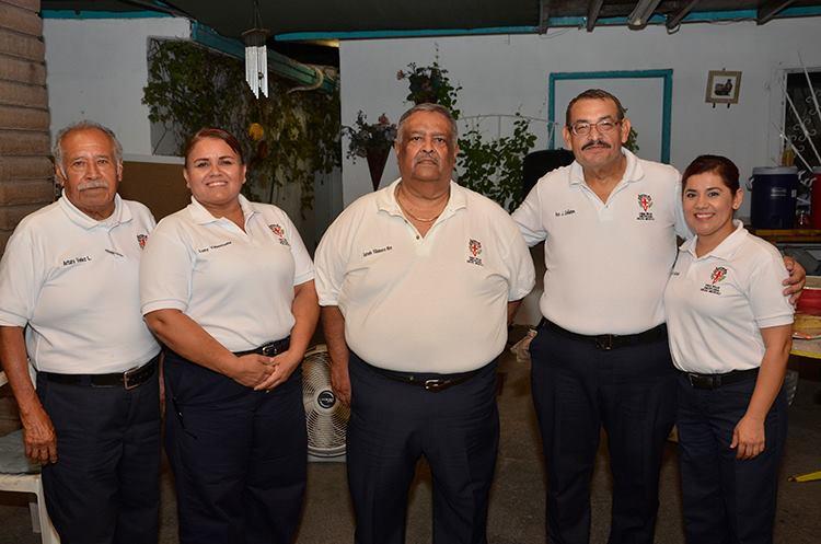 Arturo Vélez, Lucy Valenzuela, Antonio Villanueva Ríos, Francisco Doñates y Elizabeth Hurtado. El cumpleañero