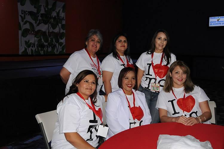 Muy contentas se captaron a estas trabajadoras sociales en su evento.