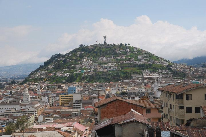 Uitzicht over Quito vanaf de Basilica