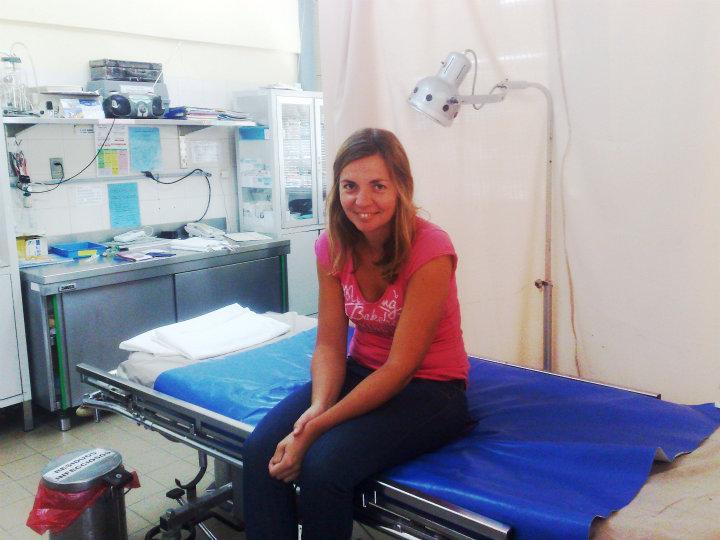 Anneke in het ziekenhuis van Coroico