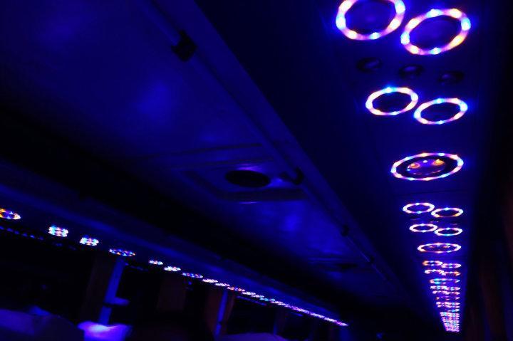 Ecuadoriaanse bussen hebben ook heel mooie lampjes