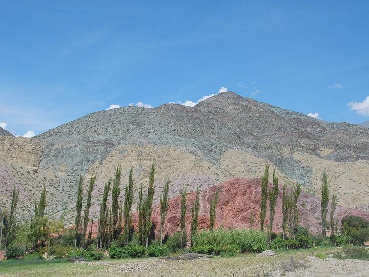 Uitzicht van de bus op weg van Salta naar San Pedro de Atacama
