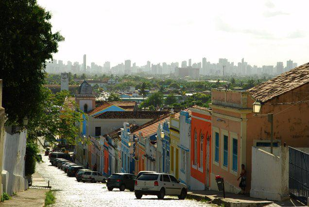 Olinda met op de achtergrond Recife