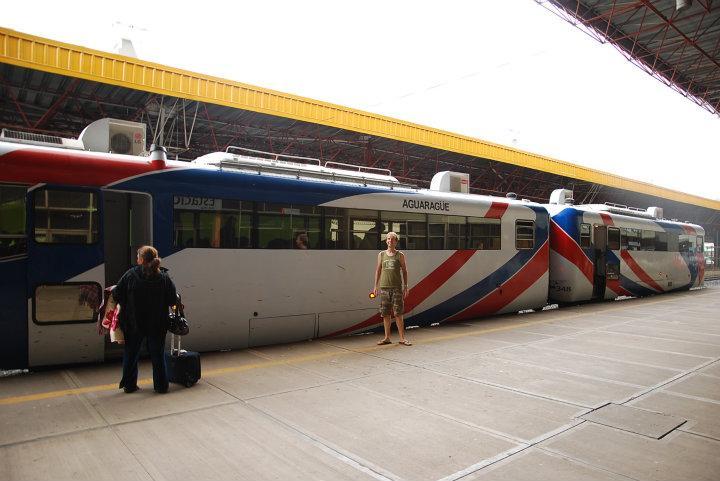 De Ferrobus-trein van Santa Cruz naar Quijarra