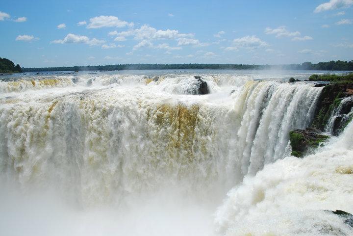 Devil's Throat waterval bij Iguazu