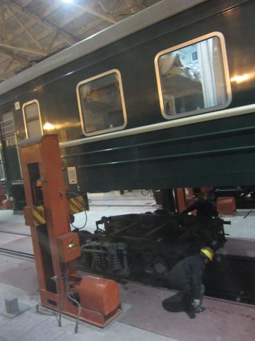 Kiinan rajalla junan pyorien vaihto