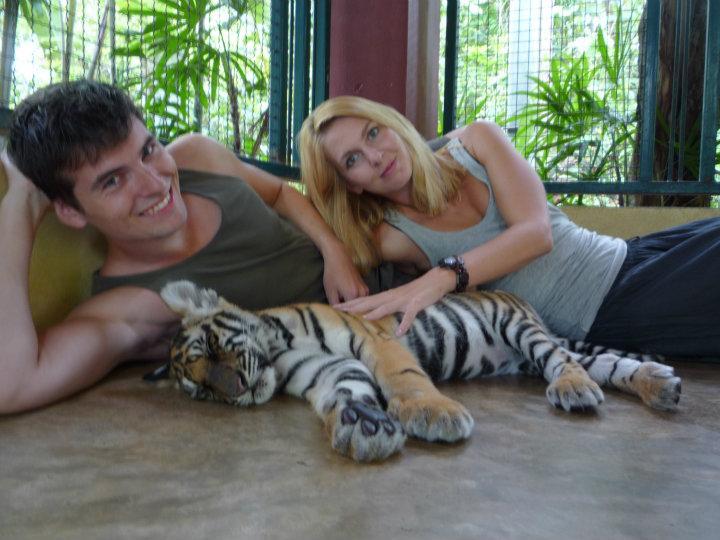 Samen bij de baby tijger