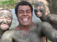Nynne & Nanna - Løjer på Fiji