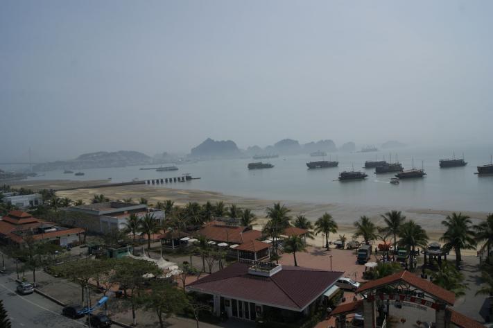 Utsikt fra hotellet Halong Bay