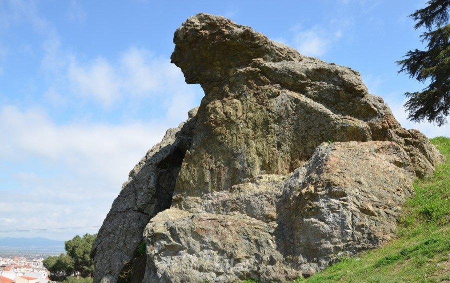 spil dağı ağlayan kaya