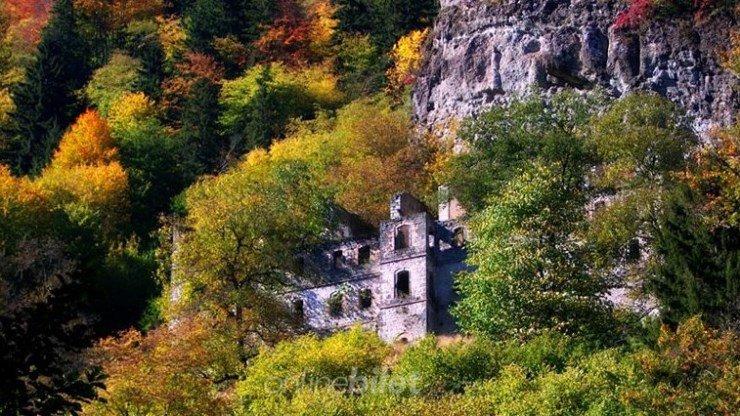 vazelon manastırı maçka