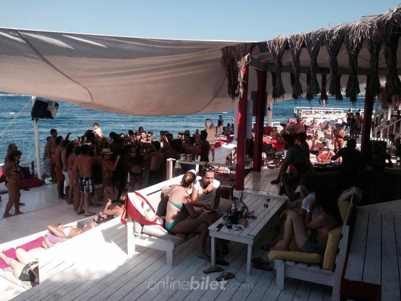 escape beach club