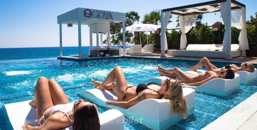 goya-beach-club