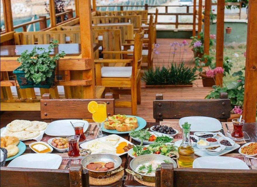 çeşmekeş kahvaltı bahçesi
