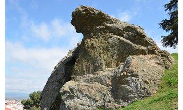 Ağlayan Kaya (Niobe Kayası) ve Efsanesi
