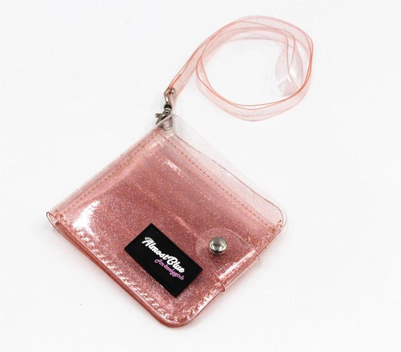 محفظة شفافة باللون الاحمر
