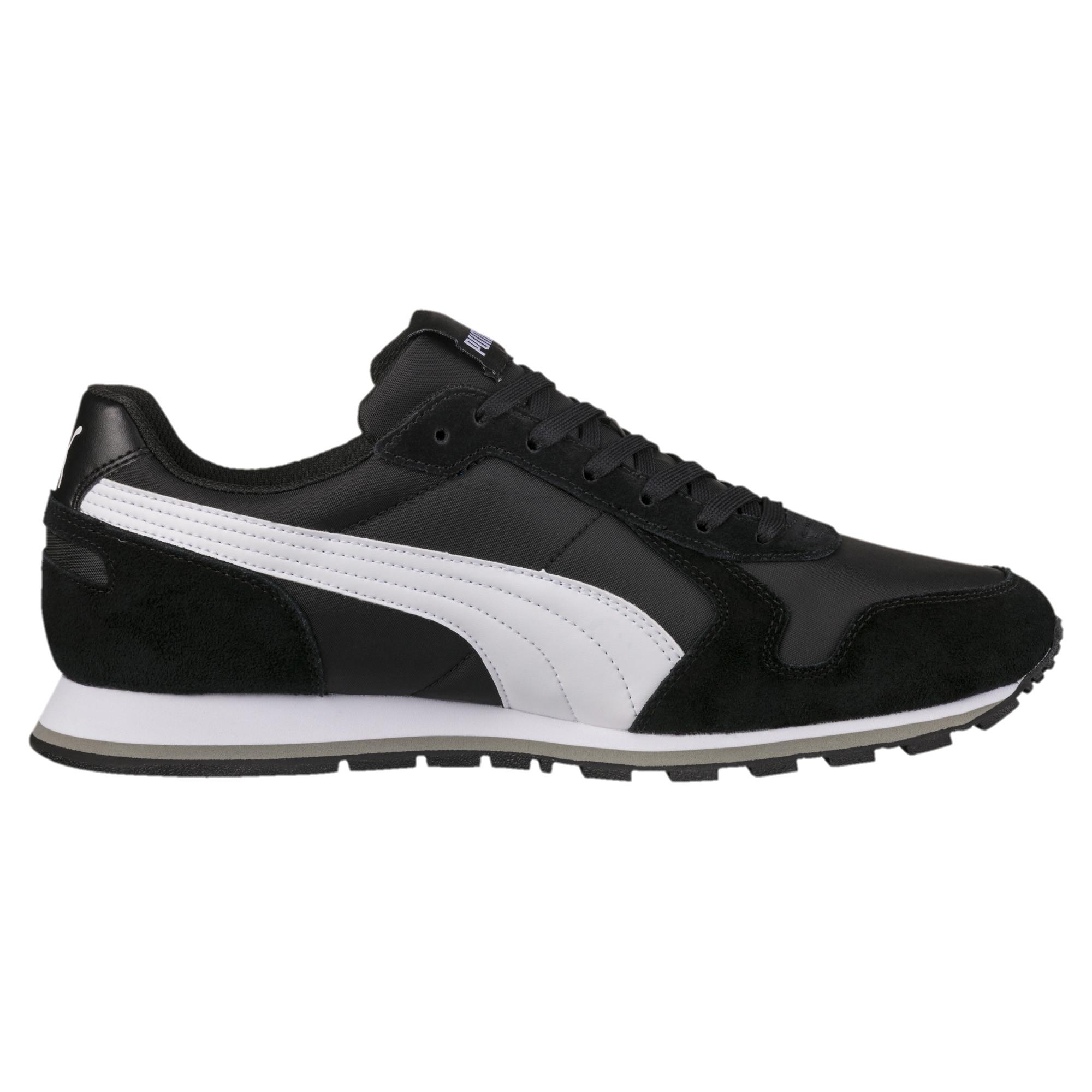 حذاء جري رياضي ماركة بوما