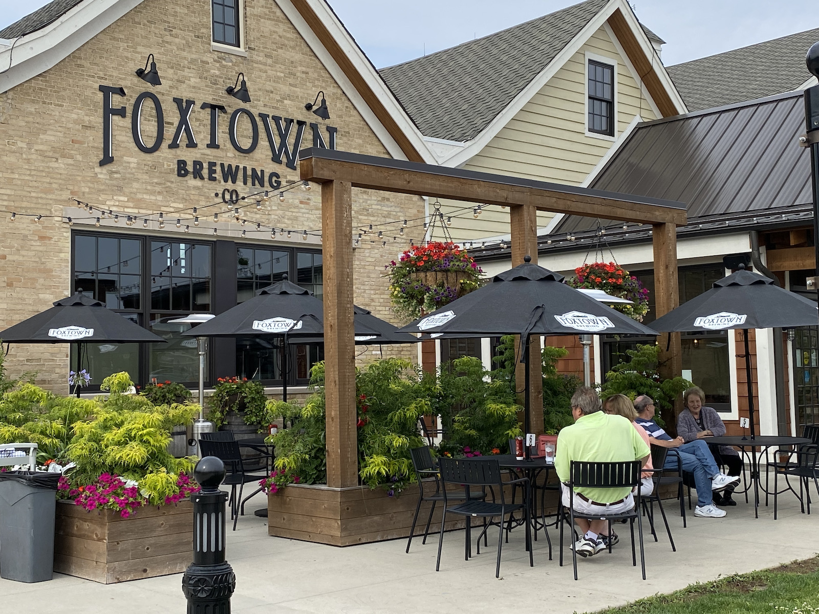 Foxtown Brewing - exterior and patio