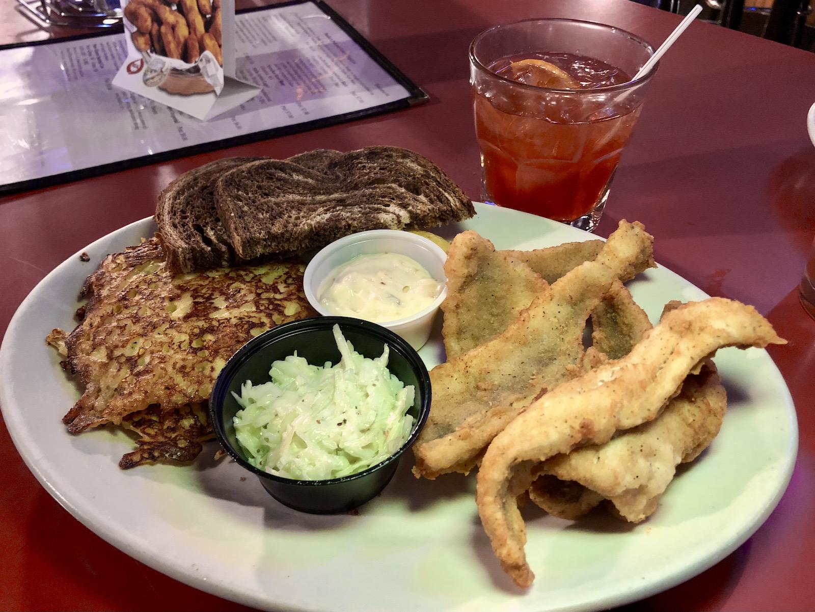 Paulie's Pub fish fry