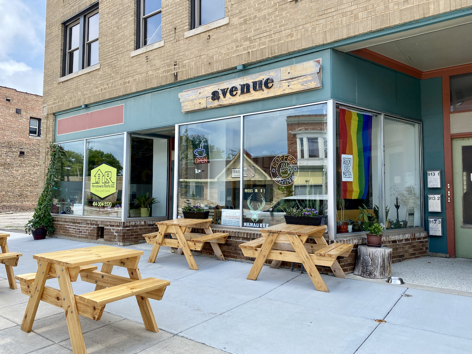 Avenue Coffeehouse