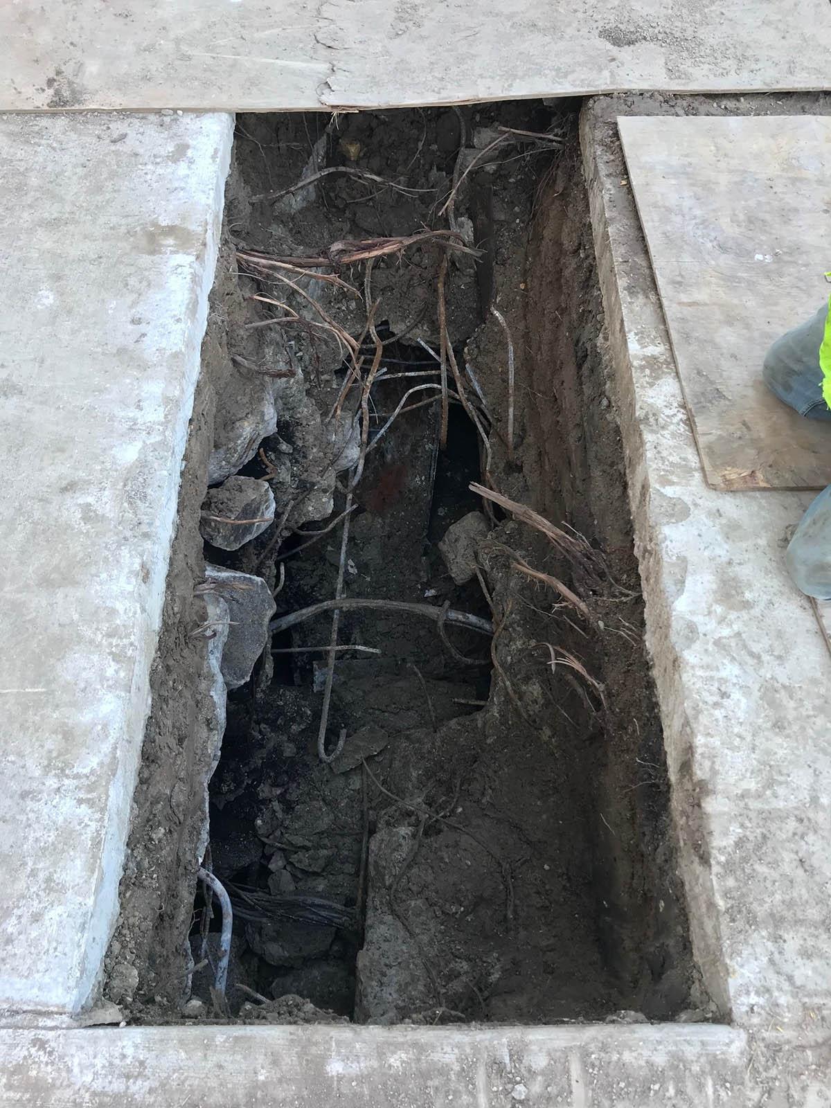Tunnel hole