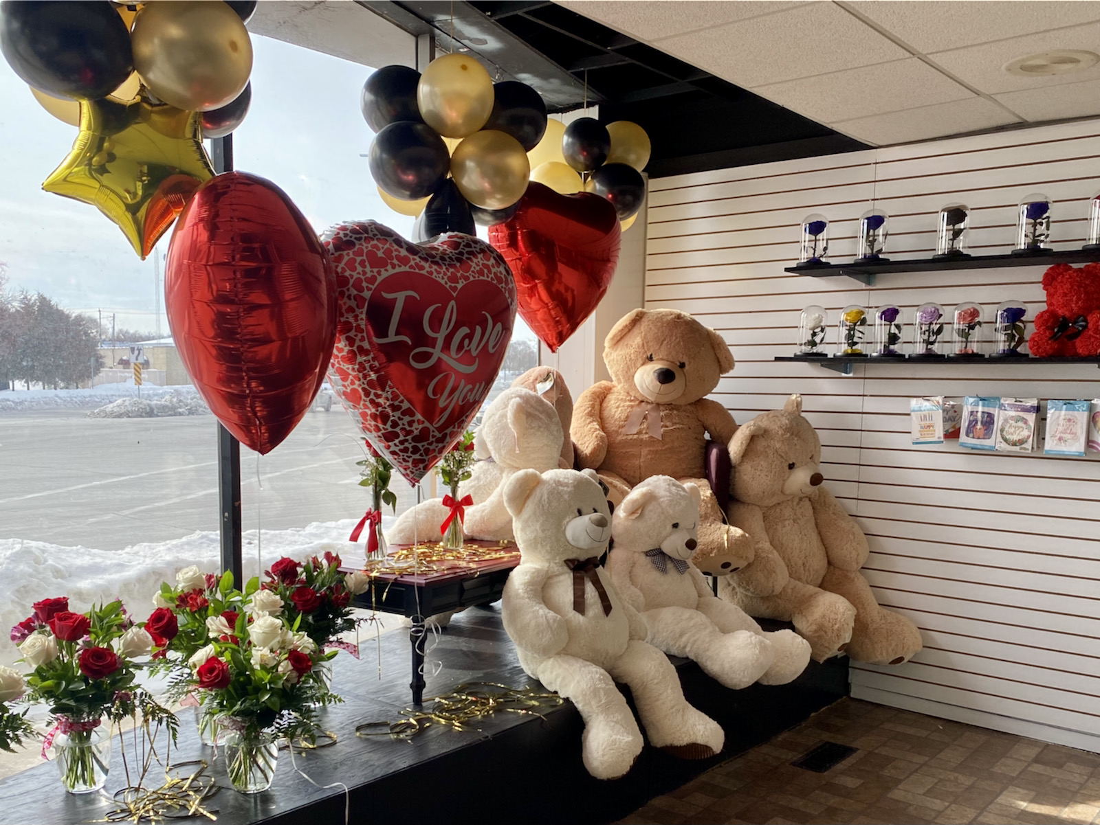 Teddy bears, flowers and gifts at Piece of Love