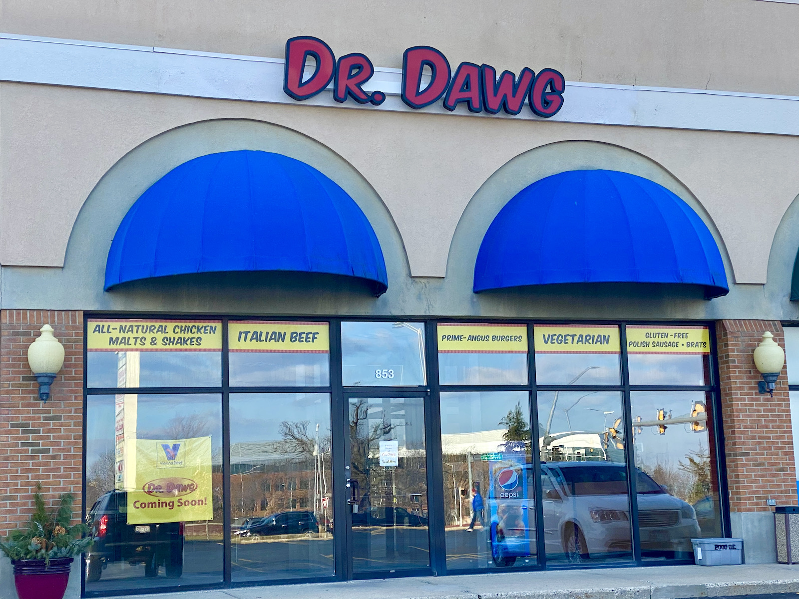 Dr. Dawg Wauwatosa exterior photo