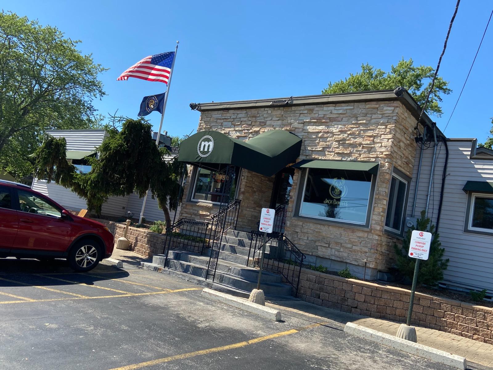 Matty's Bar & Grille