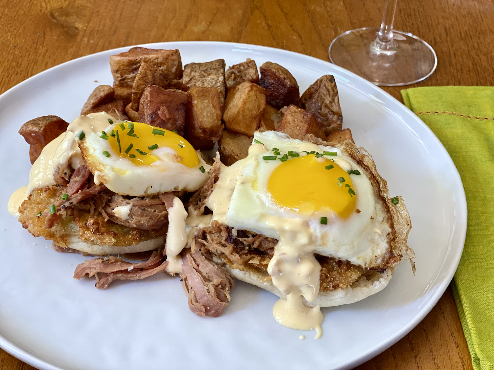 Fried green tomato and ham benedict