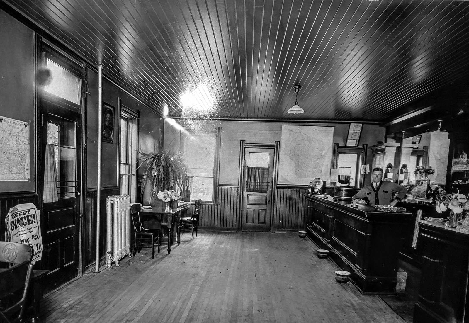 The Cheel barroom