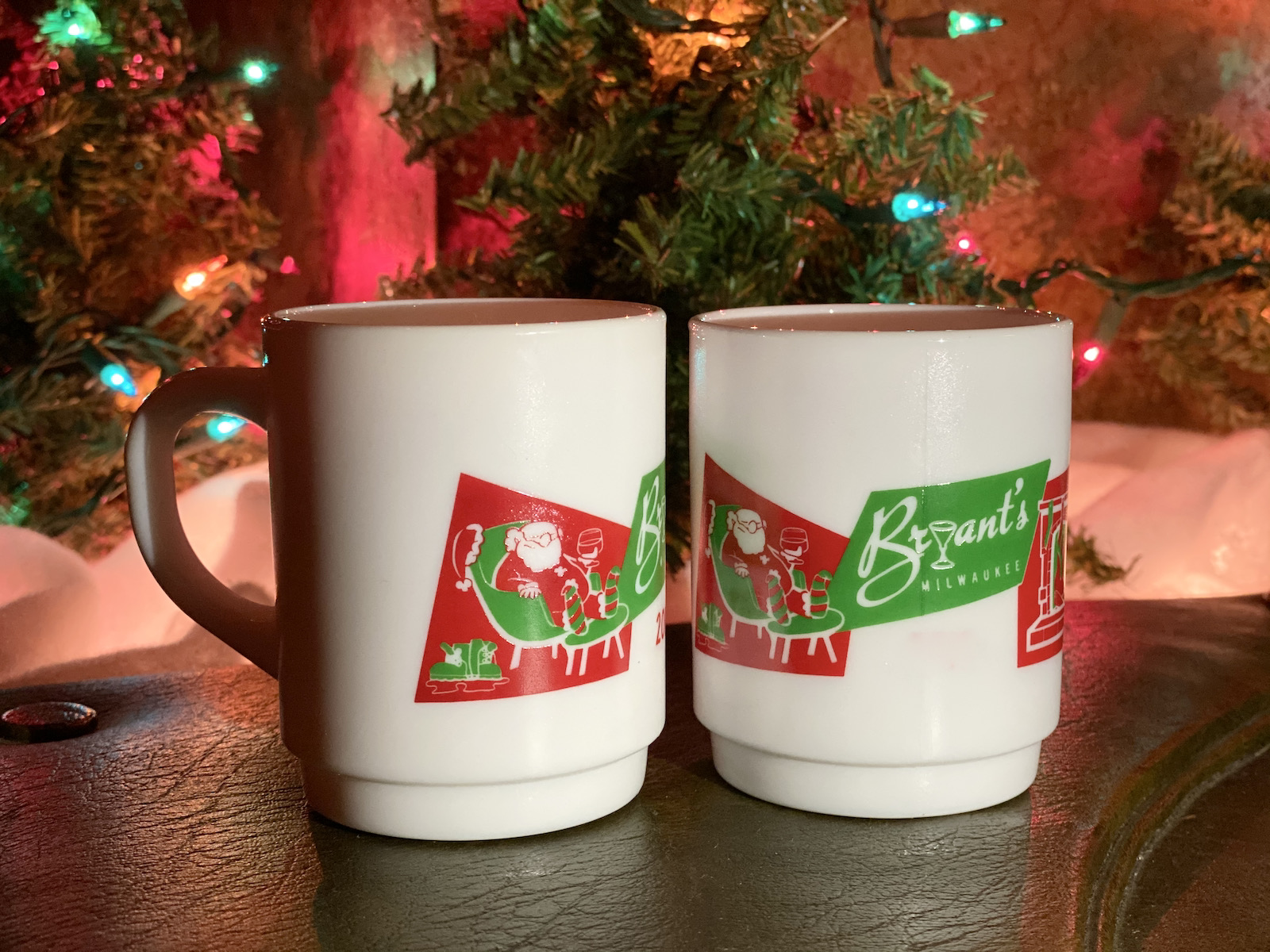 Bryant's Cocktail Lounge's Tom & Jerry mugs