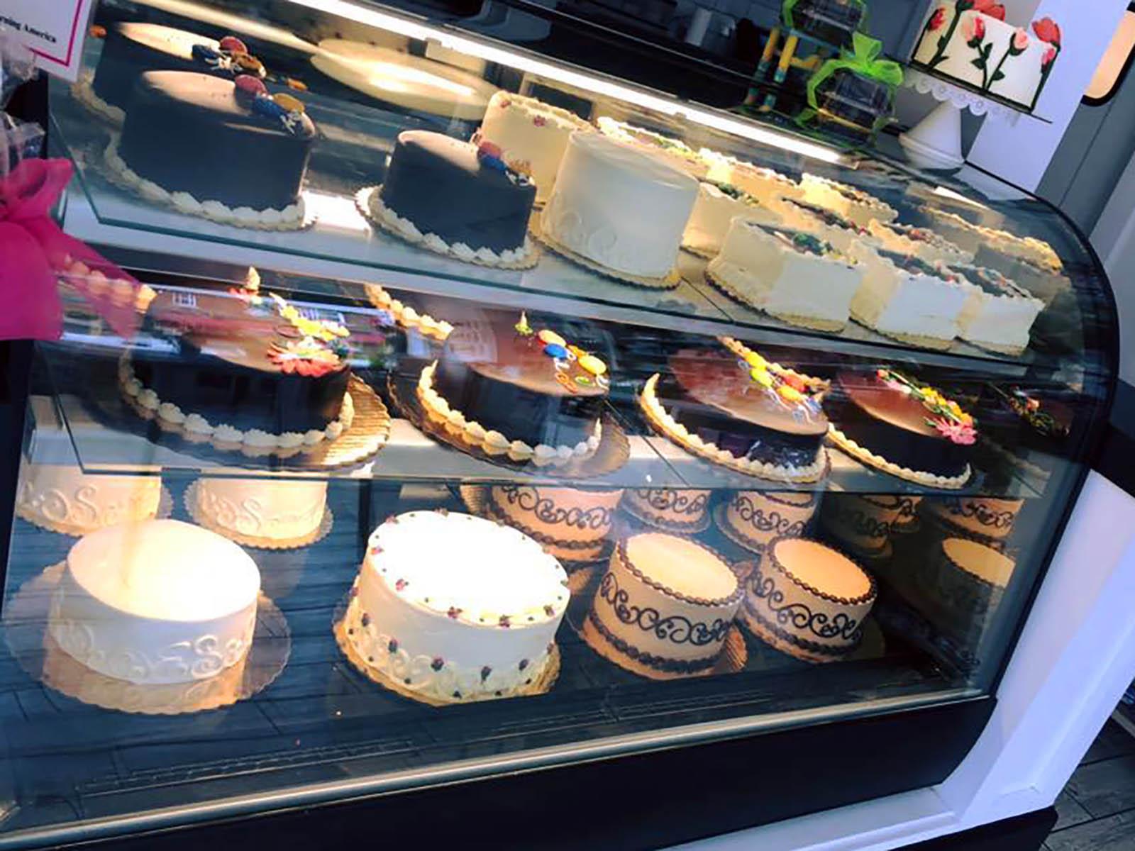 Simma's Bakery cakes