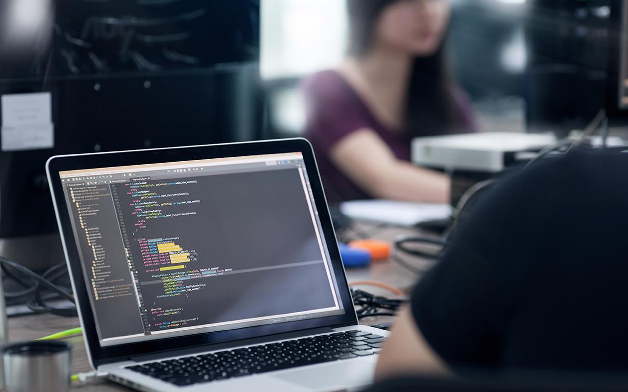 Opencoding bedenkt, maakt en verbetert uw online dienstverlening.
