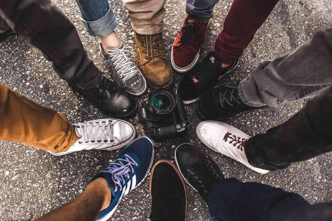 Bạn có biết cách phối đồ với giày thể thao cực chất?