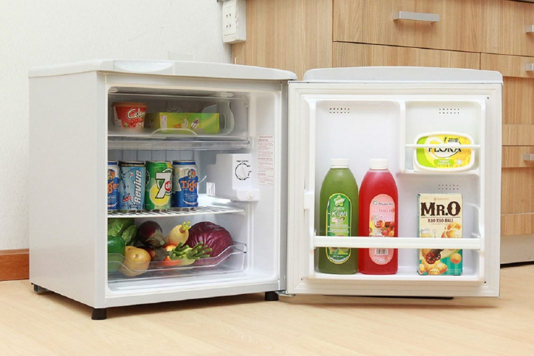 Sản phẩm tủ lạnh mini có thiết kế nhỏ gọn và có tính năng làm lạnh hiệu quả. (Ảnh: topreview.vn)