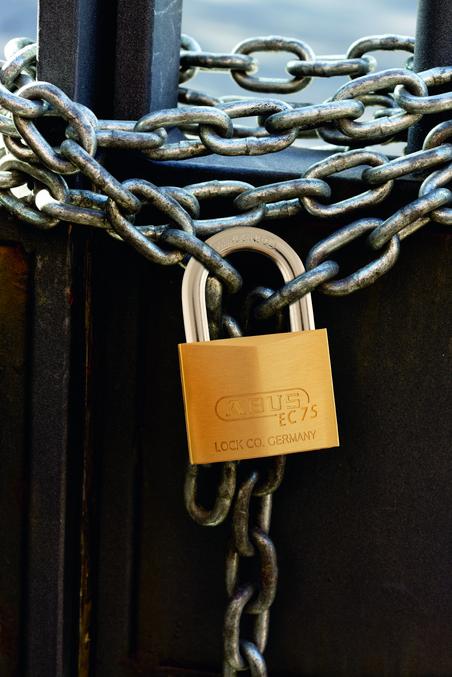 Ổ khóa chống trộm EC Abus. (Ảnh: vuidulich.vn)