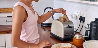 Máy nướng bánh mì 2 ngăn sẽ giúp bạn có bữa ăn sáng nhiều dinh dưỡng (Ảnh: blogmua.com)