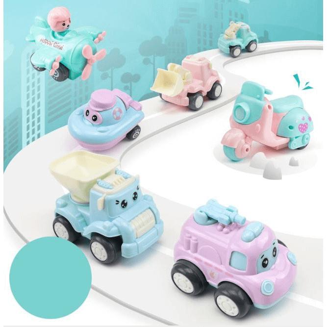 Xe mô hình đồ chơi giúp bé làm quen, nhận biết thế giới xung quanh