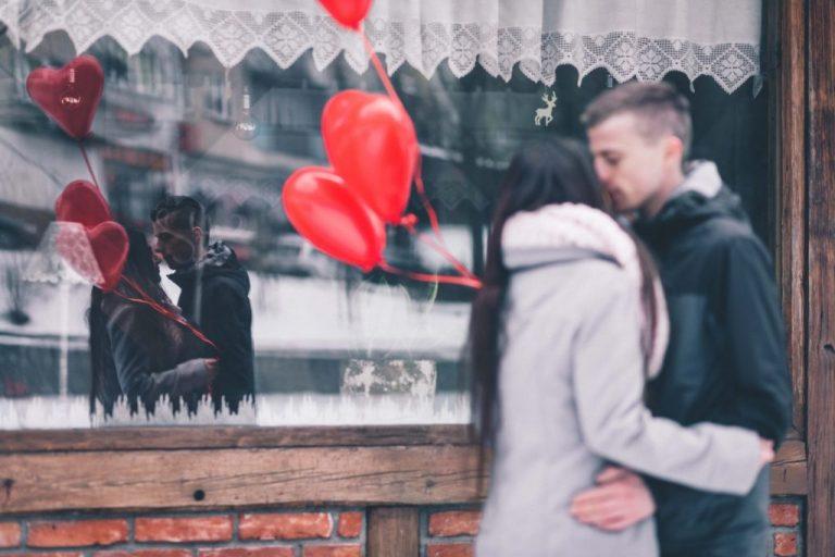 Tỏ tình Valentine cần làm gì để Crush đồng ý ngay