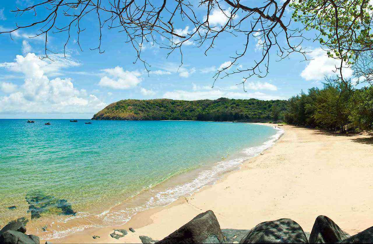 Bãi Trầu là bãi tắm đẹp nhất tại Côn Đảo