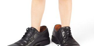 giày bị rộng 1 size