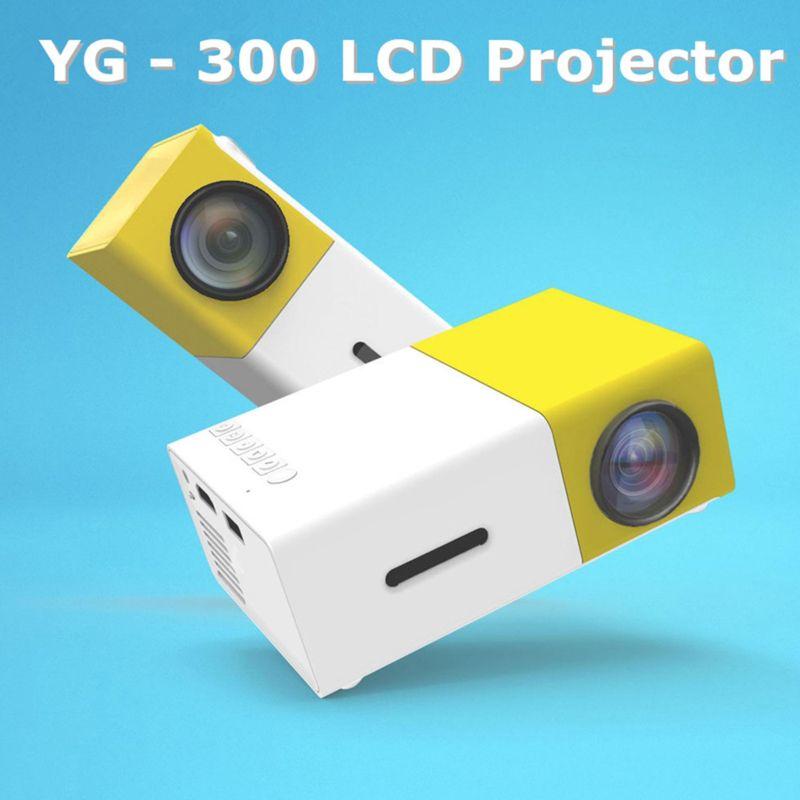 Với thiết kế nhỏ gọn, bạn có thể mang theo máy chiếu YG-300 Smart LED trong các buổi dã ngoại, du lịch.